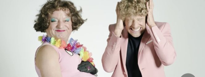 LEONARDO FIASCHI parodizza Una vita in vacanza -VIDEO