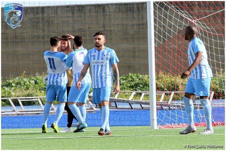 CALCIO: Manfredonia-Canosa 4-1. Formazioni e cronaca. In rete De Filippo, Albrizio (2) e Santoro.