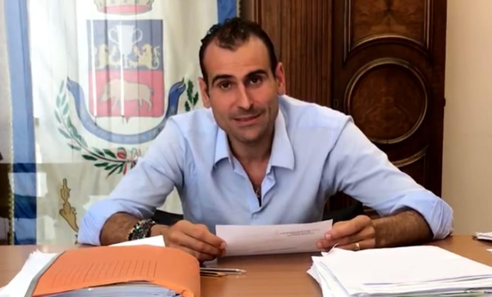 Il sindaco di Apricena riprende in mano la città: 'Presto milioni di investimenti e cento posti di lavoro'. E attacca il PD: 'Cattivi'