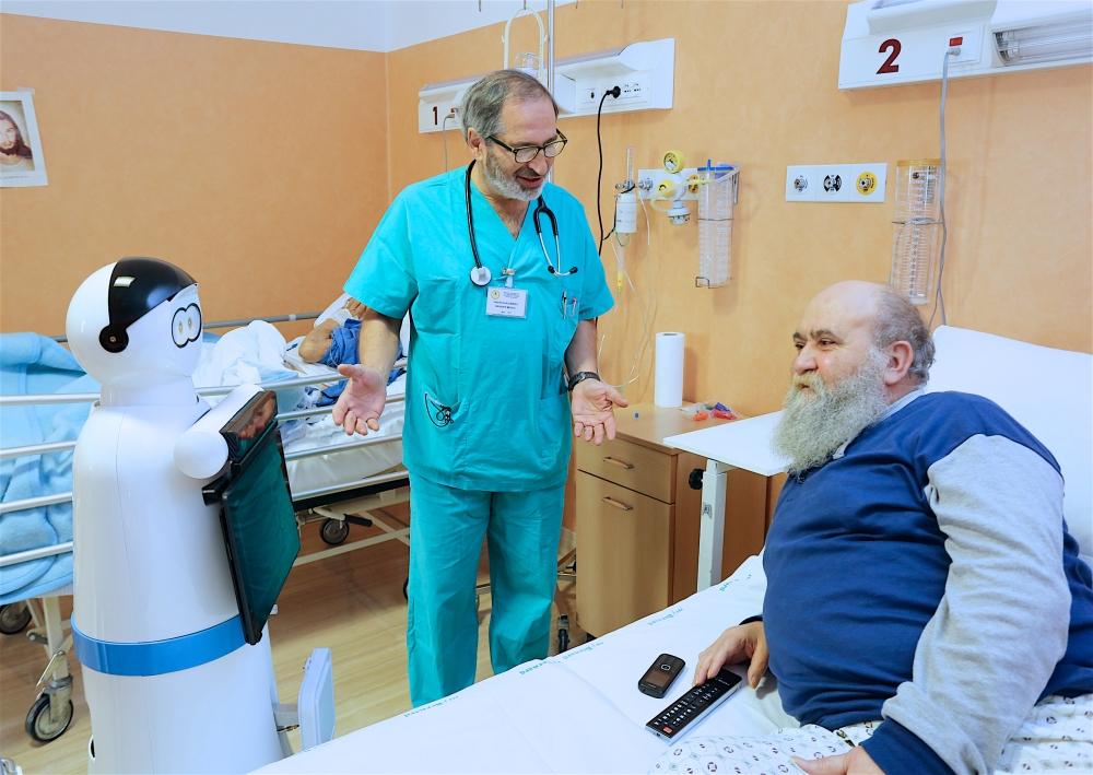 Robot in corsia a San Giovanni Rotondo: Exprivia Molfetta presenta progetto di ricerca con casa sollievo della sofferenza