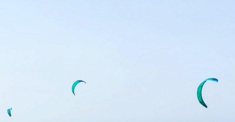 SANNICANDRO GARGANICO : Schiapparo, tratto in salvo kiter alla deriva