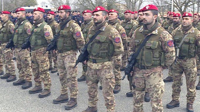 SANNICANDRO GARGANICO: Controlli straordinari dei Carabinieri nel centro abitato Dall'alba i Cacciatori di Puglia stanno effettuando perquisizioni