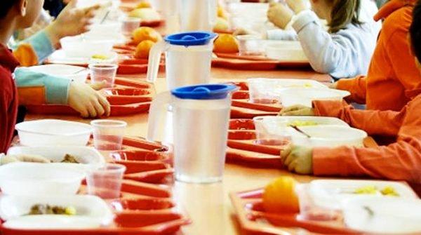 Vico, sospeso servizio mensa scolastica: le famiglie saranno rimborsate
